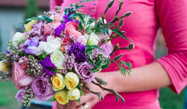 buchet-de-mireasa-floraria-euforia-bistrita-trandafiri-galbeni-mov